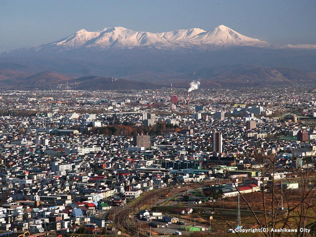 嵐山展望台_旭川市街と大雪山